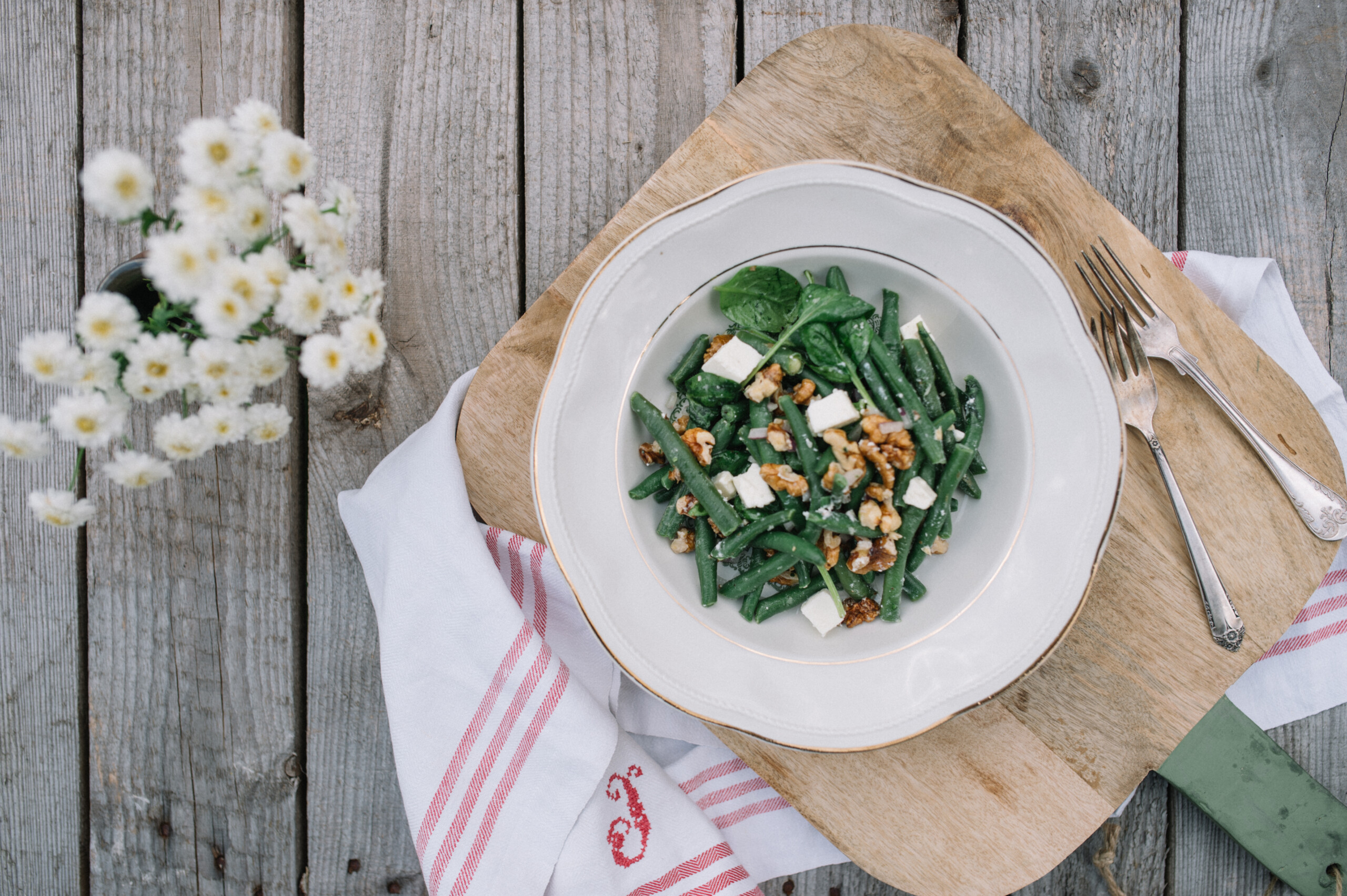 Rohelised oad feta ja pähklitega