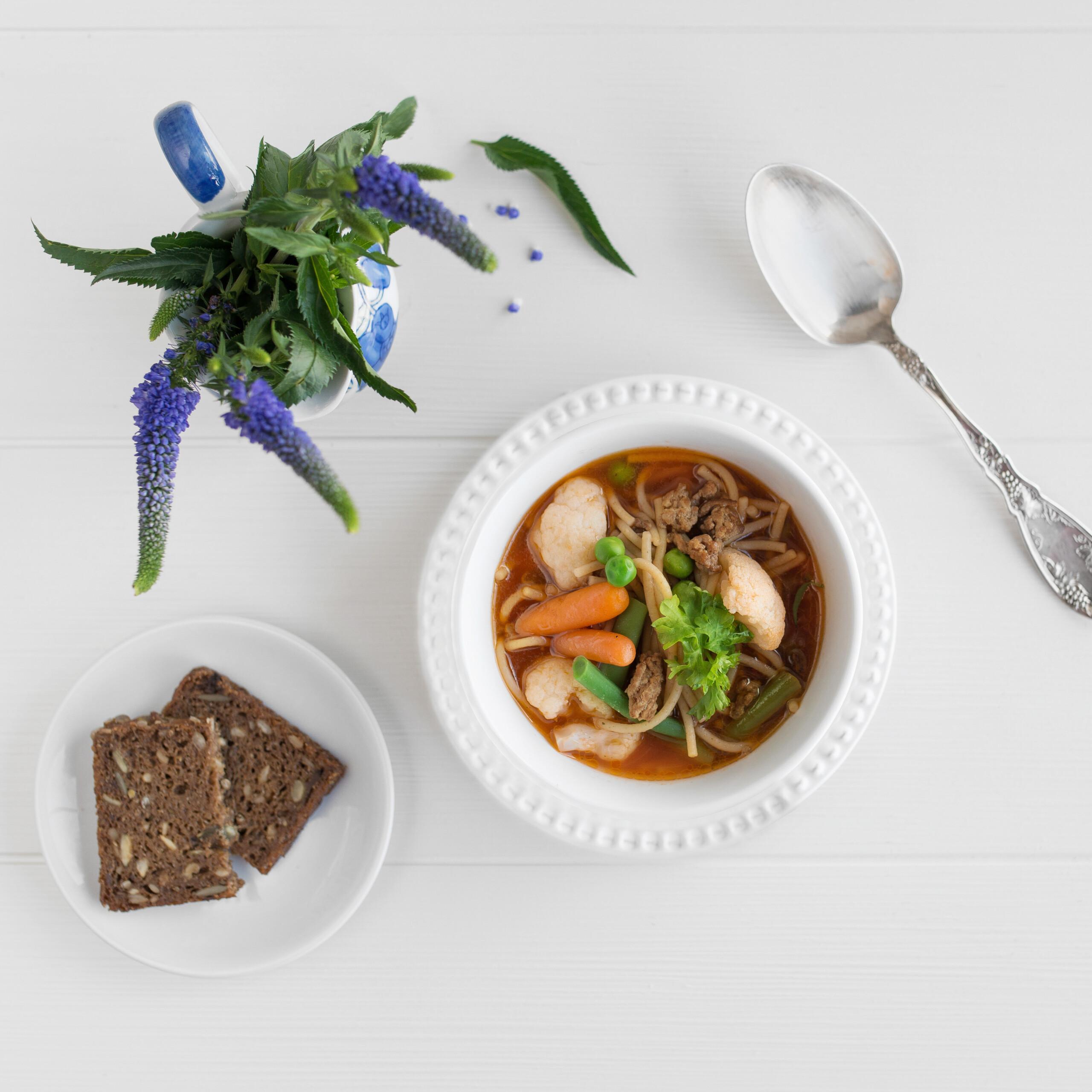 Supp liha ja spagettidega